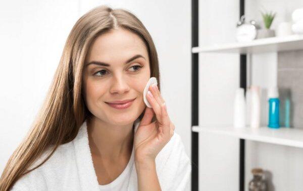 Tonizowanie skóry- kolejny element codziennej pielęgnacji twarzy