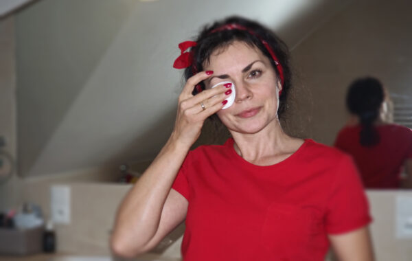 Oczyszczanie skóry twarzy- ważny etap w codziennej pielęgnacji